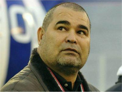 Chilavert demanda ahora a Domínguez