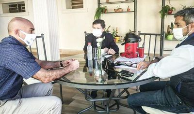 Abdo, Mazzoleni y Acevedo, reunidos para evaluar cuarentena inteligente