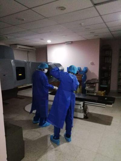 Paciente oncológico da positivo a COVID-19 y 40 van a cuarentena