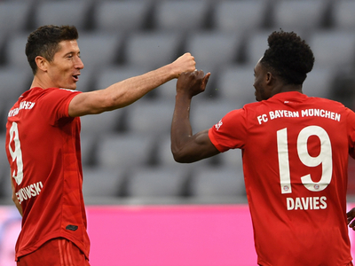Bayern Múnich aplasta al Fortuna y extiende su ventaja arriba