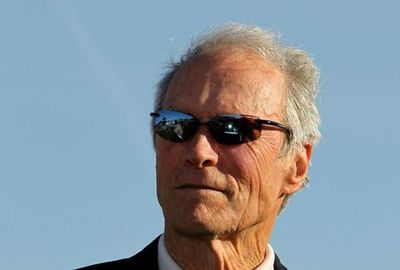 Clint Eastwood celebra 90 años sin pensar en el retiro