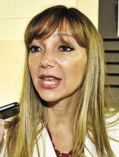 Diputados opositores piden interpelar a Bacigalupo