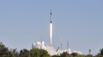 Imágenes del histórico lanzamiento de una nave espacial entre SpaceX y la NASA