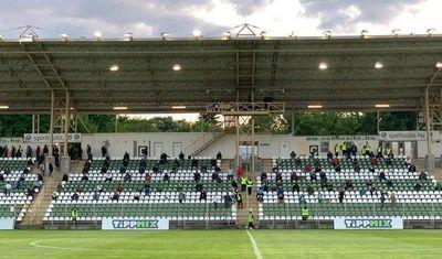 Los espectadores vuelven al fútbol en Hungría