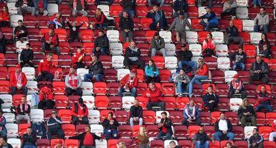 Hungría abre las puertas a los aficionados