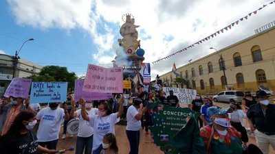 Realizan desfile contra la corrupción en Concepción