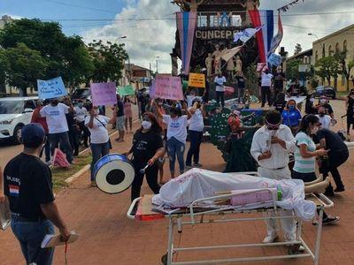 Concepcioneros realizan desfile para pedir la intervención de la Comuna