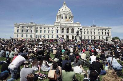 Protestas se extienden por regiones de EE.UU.