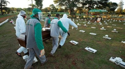 América Latina se hunde en la pandemia mientras el mundo ve la luz lentamente