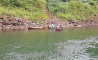 Menor desaparece en el Río Paraná tras vuelco de embarcación