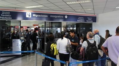 Más de 240 compatriotas vendrán hoy desde los Estados Unidos