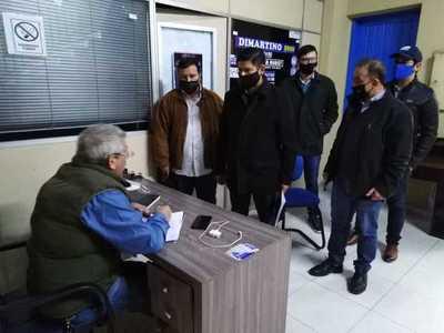 Autoridades del PLRA solicitan la renuncia de Efraín Alegre