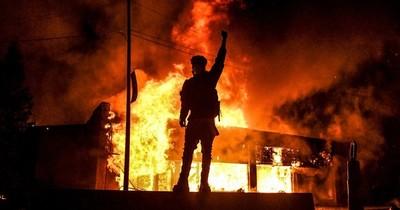 "George Floyd: Un ""Joker"" asesinado por racismo, que agita a EEUU"
