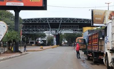 HOY / Ciudad del Este: Nulo control a camioneros tras anuncio de protocolo sanitario