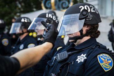 """Trump exige mano dura contra manifestantes para """"poner fin"""" a protestas"""