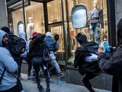 Trump recurre a militares, mientras siguen protestas y saqueos en EEUU