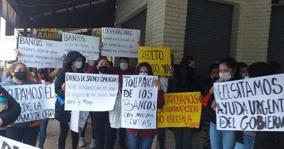 Comerciantes se manifestaron pidiendo créditos blandos y tolerancia a los bancos
