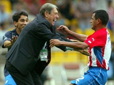A 18 años de uno de los mejores goles de Francisco Arce