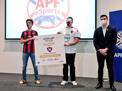 El Ciclón recibe su premio por ser campeón de la eCopa APF