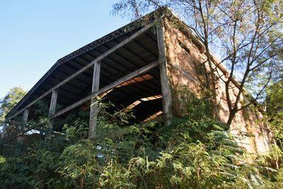 Obra para escuela de carpintería está abandonada hace 10 años