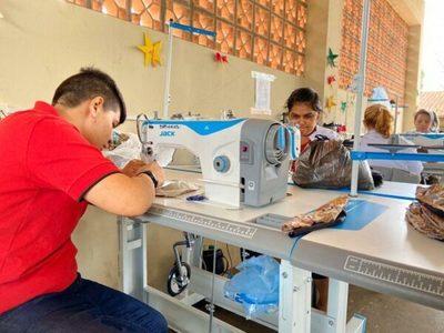 Empresa compra 10.000 tapabocas confeccionados por reclusos