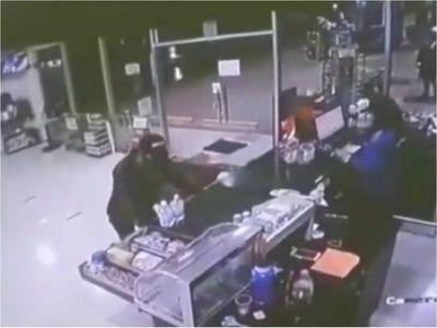 Detienen a sospechoso de violento asalto a estación de servicios