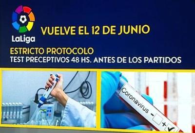 Nicolás Lithitx, con todo el protocolo de La Liga española