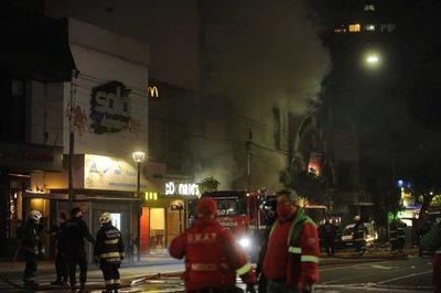 Argentina: explosión e incendio en Villa Crespo dejan nueve heridos