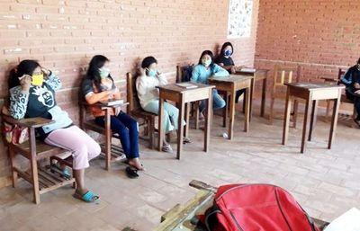 Niños y jóvenes aché ya reanundaron sus estudios
