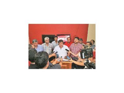 Seccionaleros manifiestan su  apoyo  a Abdo y a Mazzoleni