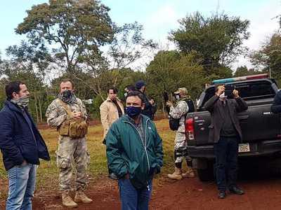 Comitiva policial interviene inmueble de la Itaipú invadido por 30 familias