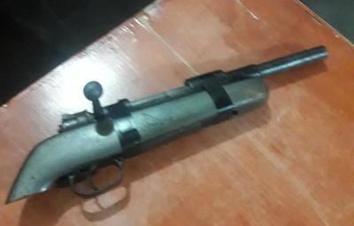 Detienen a presunto delincuente que asaltaba con fusil