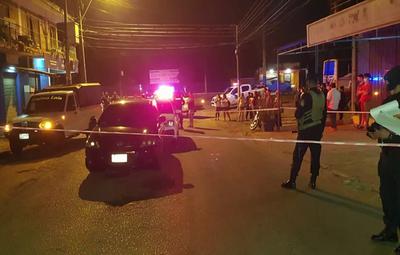Abogada de policías asegura que arma se disparó sola tras caída de patrullera en un bache