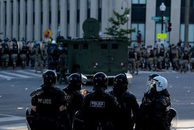 Protestas reavivan el temor a rebrote de COVID-19 en EE.UU.