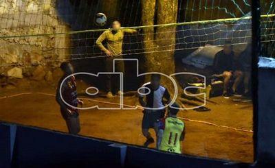 Jugadores profesionales jugando piki durante la cuarentena