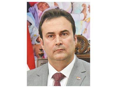 IPS: Arquitecto renuncia   y acusa a Gubetich por vicios en licitaciones