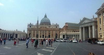 Vaticano investigará a obispo polaco sospechoso de encubrir actos pedófilos