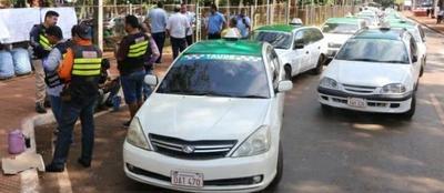 Agobiados por la crisis, transportistas de CDE piden reducir costo de habilitaciones