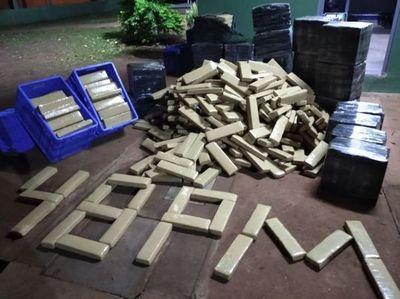 Frontera cerrada: Cae en Ponta Porã vehículo cargado con más de 800 kilos de marihuana