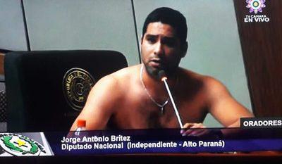 Ofuscado por impunidad a corruptos, Jorge Brítez se quita la camisa en plena sesión – Diario TNPRESS