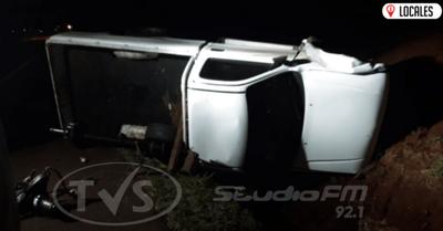 Una rueda causó el vuelco de una camioneta