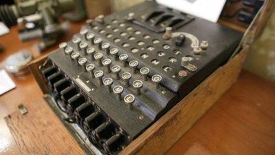 Se subasta una máquina Enigma nazi para cifrar mensajes – Prensa 5
