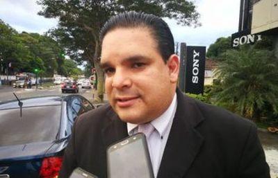 López Arce lamenta veto parcial del Ejecutivo a la Ley de informconf
