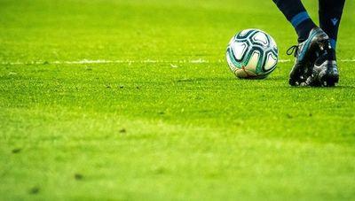 Alistándose para la mayor jugada: clubes inician controles para la vuelta del fútbol