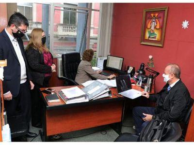 Ex gerente de la ANDE  declaró en Fiscalía por el acta secreta