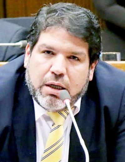 Diputados liberales repudian la imputación a Efraín Alegre