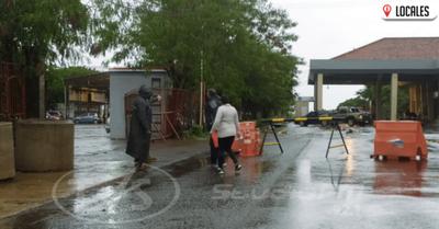 Unos 200 argentinos regresan a su país por el Puente Internacional Encarnación-Posadas