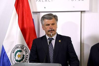 SERIE DE IRREGULARIDADES EN PROCESOS DE COMPRA DE INSUMOS, SEGÚN GIUZZIO.