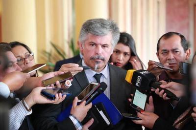 Giuzzio advierte sobre 32 procesos irregulares y sugiere anular llamados