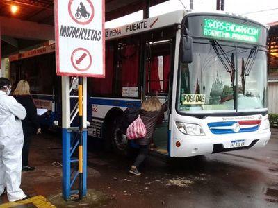 Casi 200 argentinos retornan a su país por Encarnación